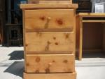шкафче от чамова дървесина